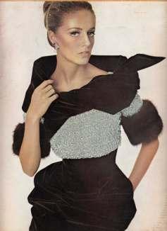bazaar_1966_12