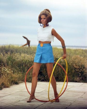KeciaN_1967_Bruno_Bernard_HulaHoops_VS